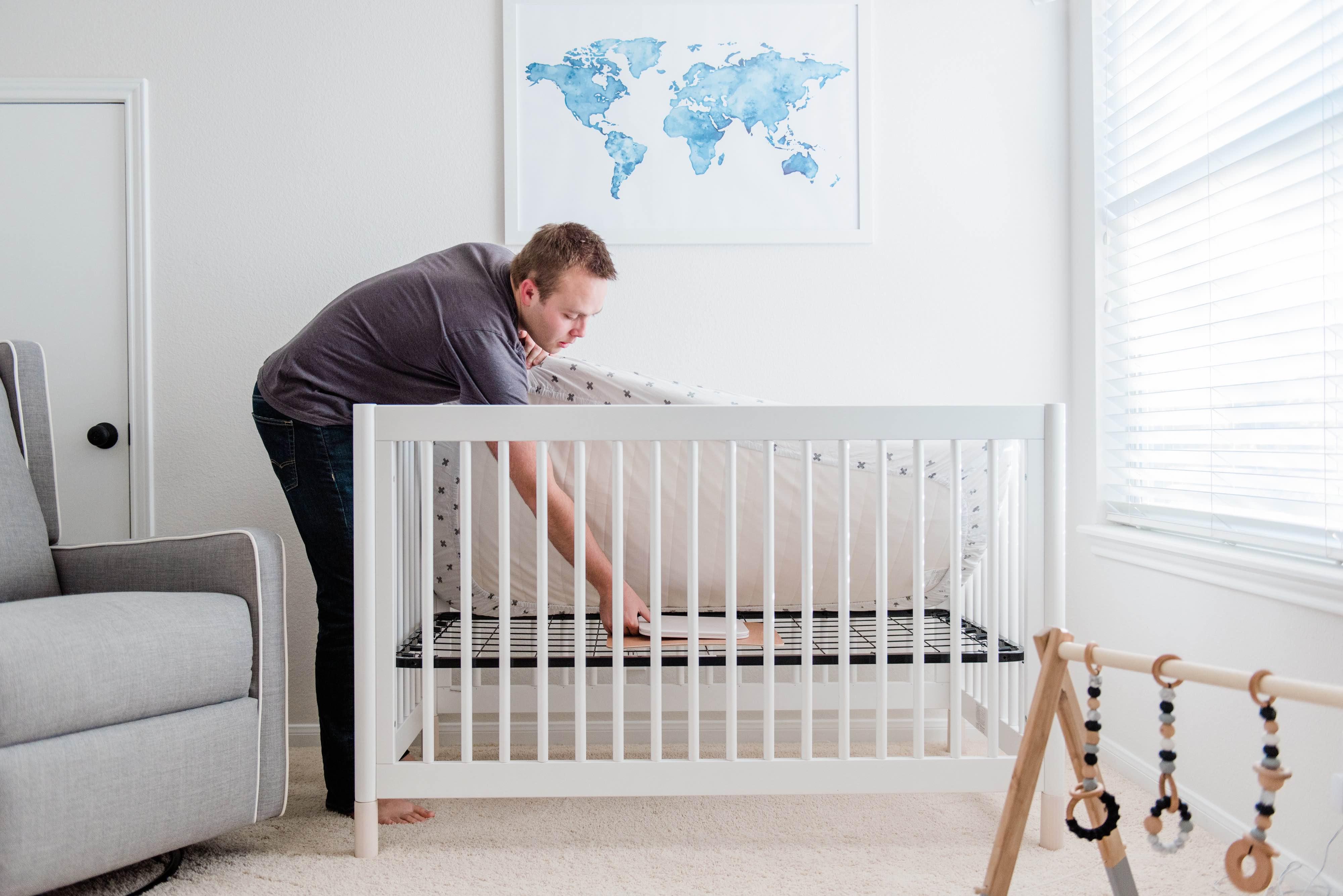angelcare-movement-sensor-pad-installation-mattress.jpg